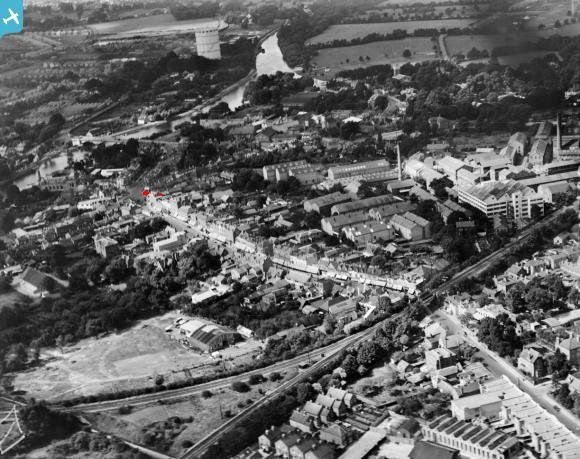 Arial photo of Staines in the 1950's